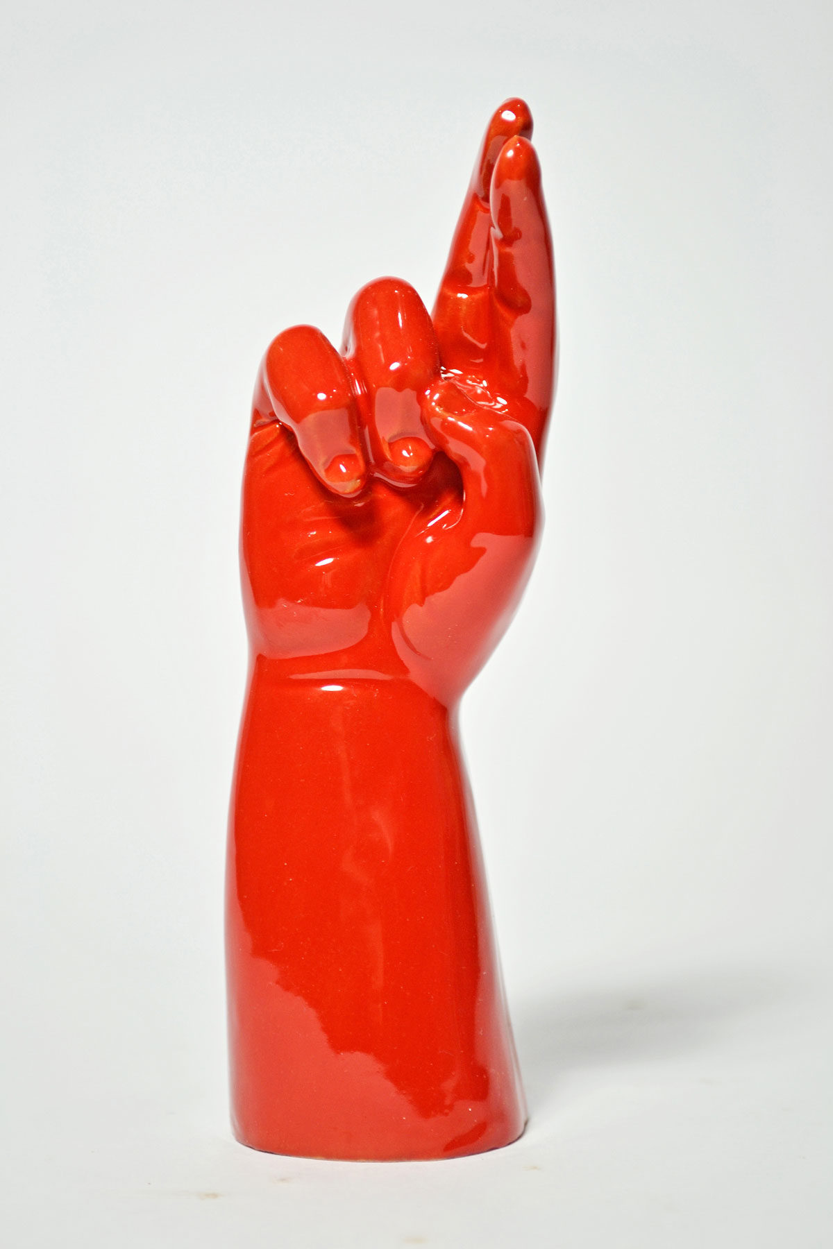 mano-incrocio-rosso-web